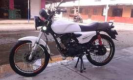 Vendo moto motivo viaje