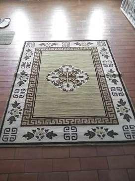 Se vende una alfombra grande