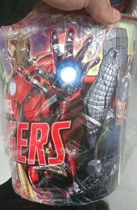 Papelera de avengers spiderman y princesas
