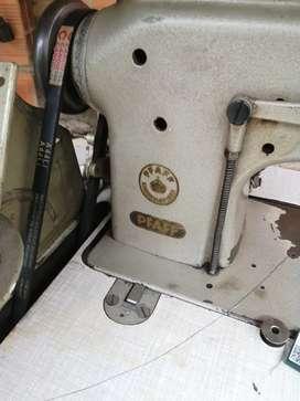 Vendo maquina de coser PFAFF