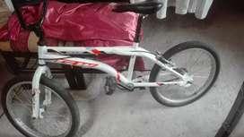 Se Vende cicla BMX GW