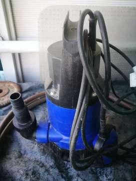 Bomba centrífuga sumergible desagote achique.Bomba sumergible de desagote pluvial 350W - 6500l/h