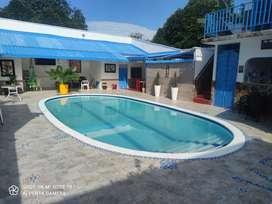 Casa con piscina y salón social en mariquita