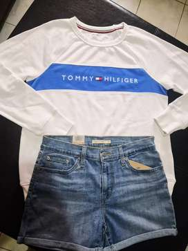 Buso Tommy Hilfiger y Short Levi's para mujer