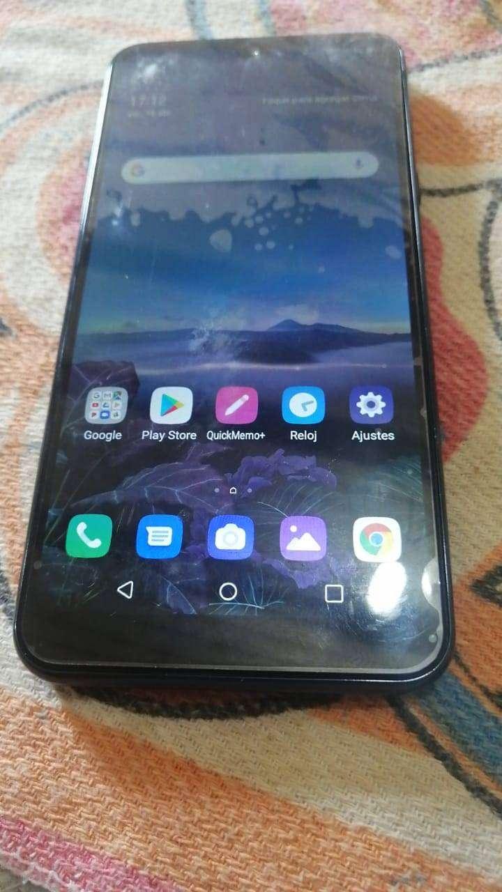 Vendo celular  LG Q50