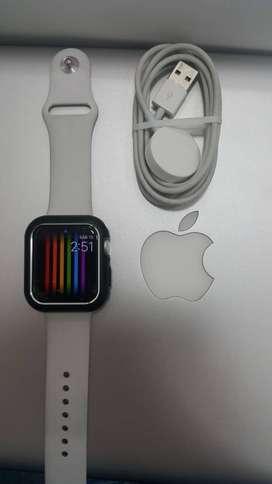 RELOJ Apple Watch Series 4  DE 44 Mm
