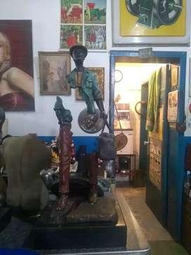 Escultura de bronce el emigrante