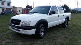 Vendo permuto Chevrolet S10 modelo 2007 base 4x2 con 230 mil kilómetros impecable lista para transferir todos los papele