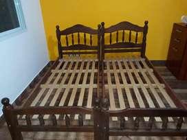 vendo camas y mesas de luz