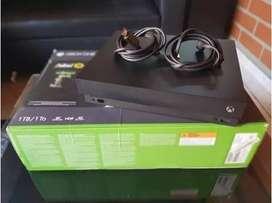 Xbox One X 1tb + Control