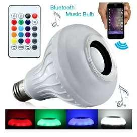 Parlante bombillo inteligente luz LED multicolor + control remoto