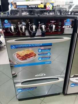 Vendo estufa moderna para estrenar, se entrega con factura