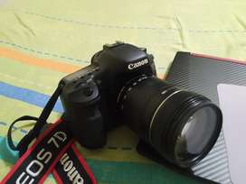 Cámara Canon EOS 7D + Lente EFS 18-135