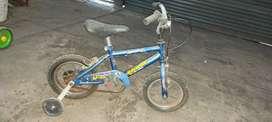 Vendo bicicleta de niño rodado 12