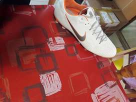 Vendo botines Nike,escucho ofertas.
