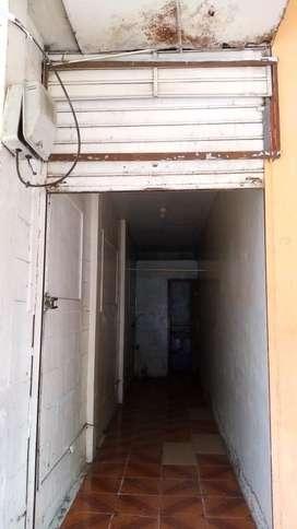 Se alquila local comercial en Av 4 de noviembre en Manta sector la policia