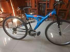 Vendo urgente Bicicleta Mountain Bike rodado 26.