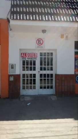 ALQUILO AMPLIO LOCAL COMERCIAL