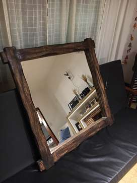 Espejo con marco de madera tipo rustico/campo
