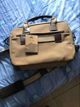 Vendo lindo bolso, de diseñador, de lujo, nuevo