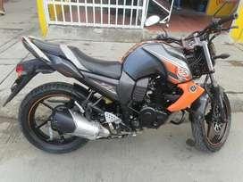 La moto esta buena de motor y tiene seguro nuevo