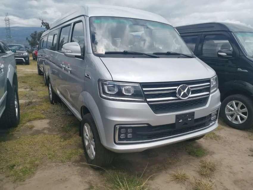 Se alquila furgoneta de 10 pasajero incluye chófer para viaje dentro de la Costa 0