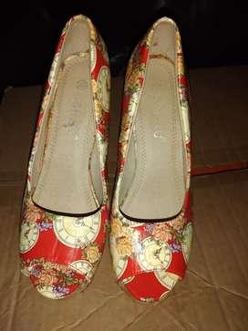 Zapato alto de mujer