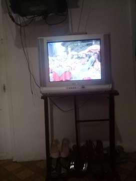 Vendo tv buen estado