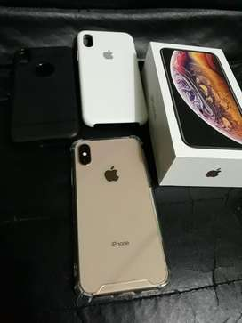 iPhone Xs Gold, en caja libre de 64gb