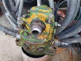Se vende bomba hidráulica de retro Jhon Deere pajarita