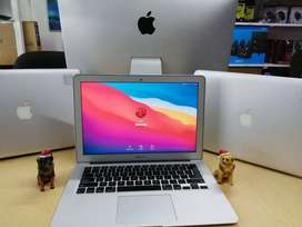 Moderno Macbook Air 13'3 intel core i7 2013 con tarjeta de video de 1.500 gb