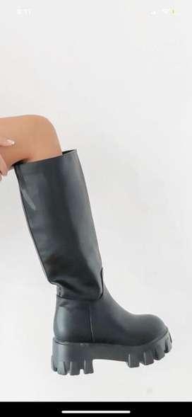 Atari boots