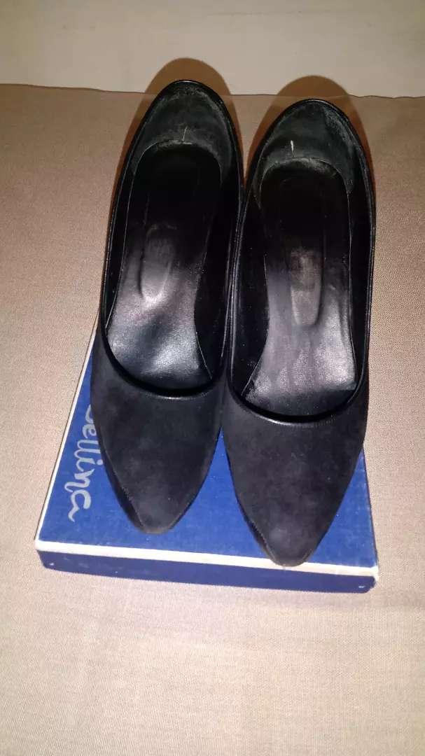 Zapatos de vestir muy finos usados 0