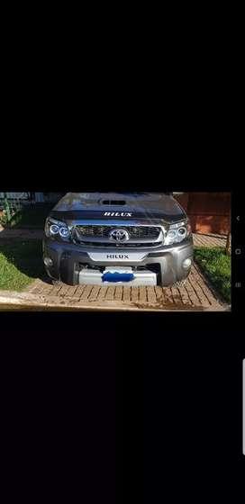 Vendo Toyota Hilux SRV AUT 4X4