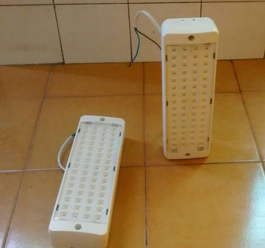 Luces de Emergencia LED 0