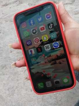 Vendo iPhone 11 un mes de uso 1 año de garantia
