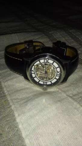 Vendo reloj bulova original o permuto