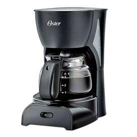 Cafetera Oster Practica y facil de usar  4 Tazas Negra