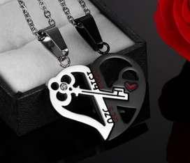 Dije corazón con llave amor novios enamorados