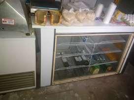 Vendo o permuto heladera vertical,