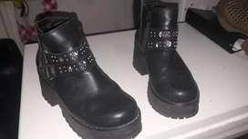 Vendo zapatos de cuero numero 37 por solo mil pesos cada una
