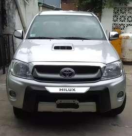 Toyota hilux Srv año 2009. Única mano.