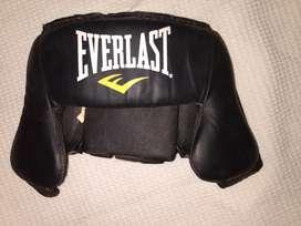 Cabezal Everlast MMA+ 2 shorts entrenamiento