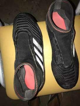 Botines fútbol 11 Adidas Predator ( Talle 40)