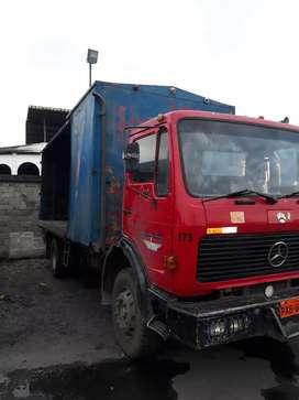 Mercedes 13 18 con dual 10 toneladas a toda prueba