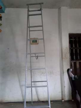 Escalera tipo tijera de 2,50m