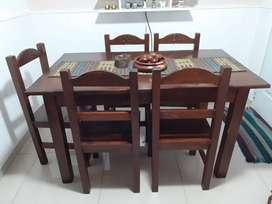 Mesa y 6 sillas de pino misionero