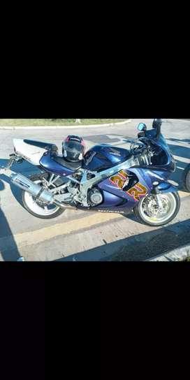 Vendo Honda CBR 919 /98