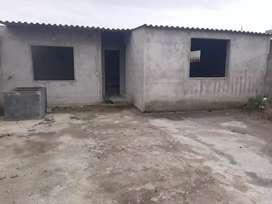 Terreno + construccion en obra negra a en Otavalo se entrega con puertas y ventanas (24 metro de fondo y 9.50 de ancho