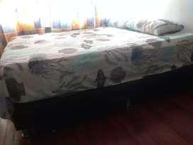 Se vende cama (colchón +base) de 140 de ancho x 190 de largo